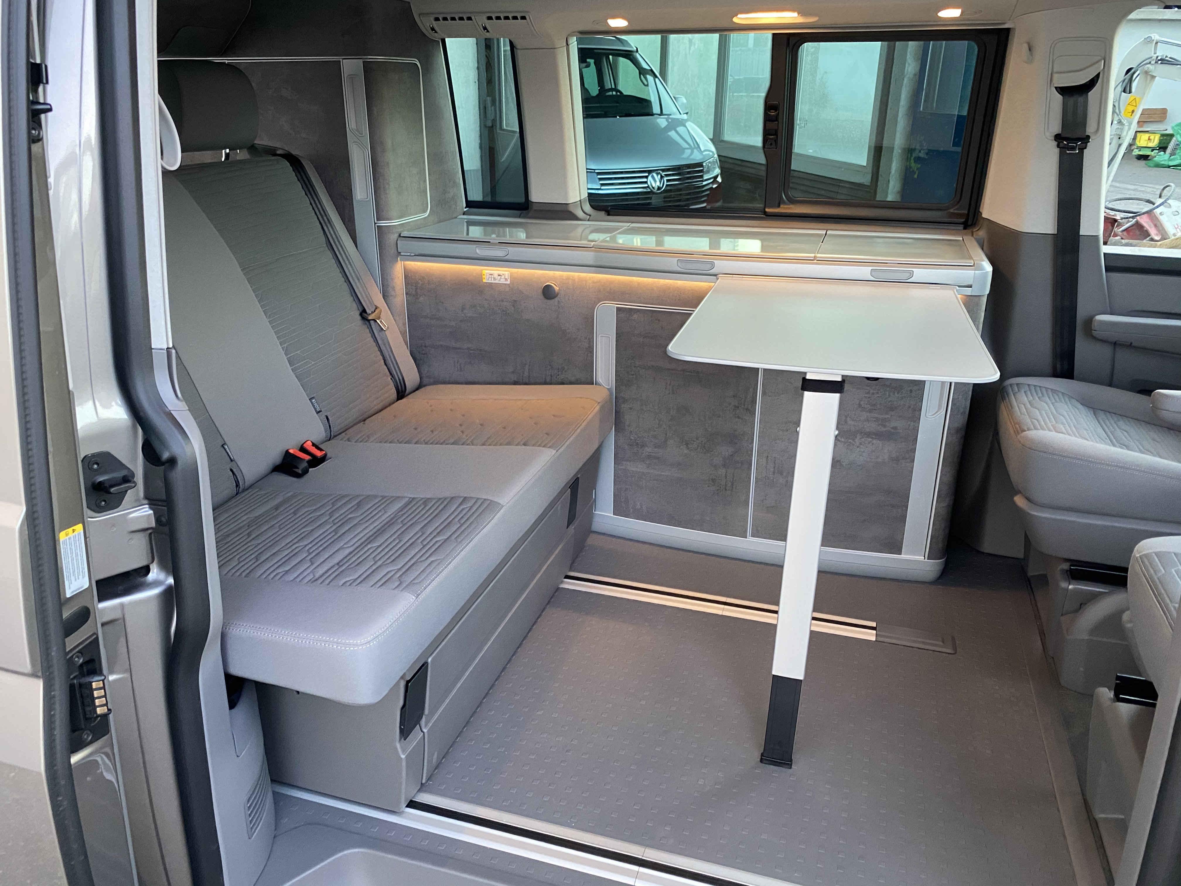 Mieten: VW Bus T177.17 California Ocean Campervan